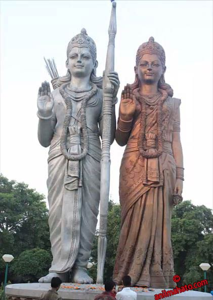 Lord Ram Sita Statues at Mangal Mahadev Delhi, India