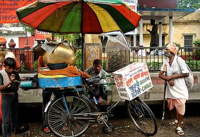 kuche chhole - famous indian street food