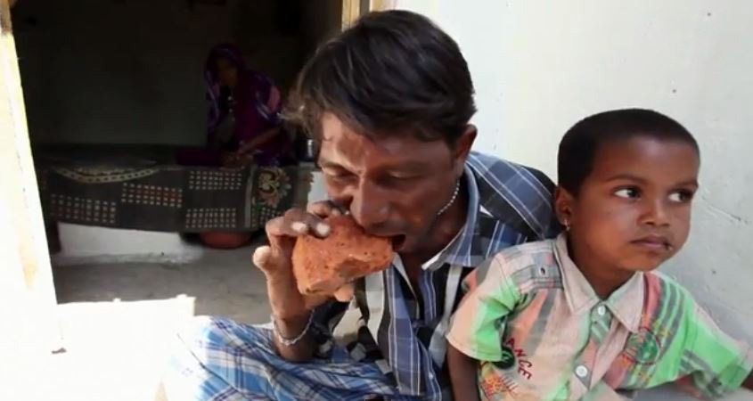 Indian Man Addicted to Eating Bricks, Mud & Gravel (+Video)